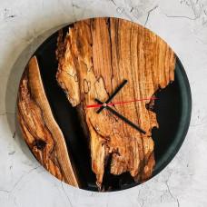 Настенные часы Orologios 10 из массива ореха и эпоксидной смолы