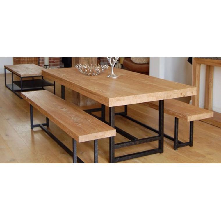Обеденный стол из массива дуба Grassem