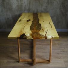 Обеденный стол река Amberry Retttangolo из шелковицы с заливкой из смолы и латунной стружки