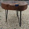 Прикроватный столик Unevo c инсталляцией из синей смолы